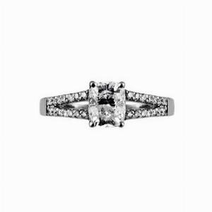 Cushion Cut Engagement Ring With Split Shoulders 1.07ct